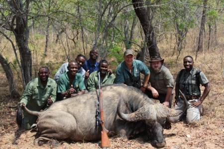 Polowanie na bawołu w ZImababwe