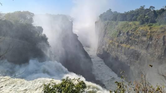 Wodospady Wiktorii. Atrakcja turystyczna po polowaniu